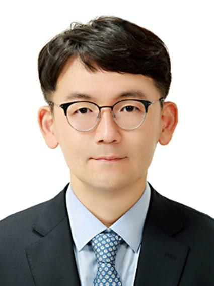 Hae-Kang Lee